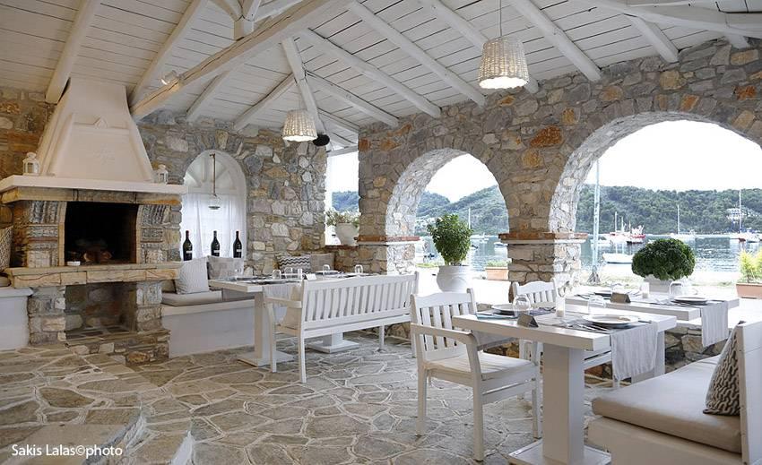 Skiathos restaurant karnagio