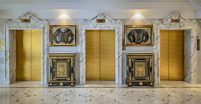 Elevator landing floor 8 rome hotel cavalieri