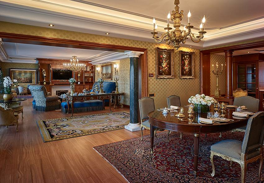 Petronius Suite Dining Living Room rome hotel cavalieri